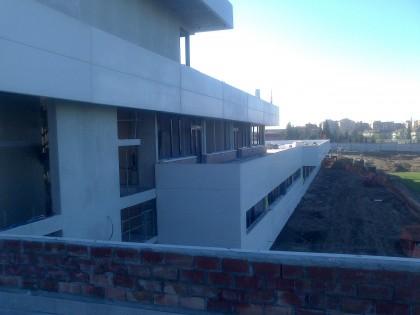 Vista del edificio desde una de las terrazas de la primera planta