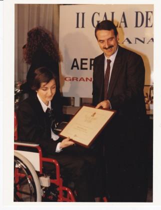 José Olea, presidente de la Diputación, entrega el premio Valores Humanos a María José Martínez Ramos
