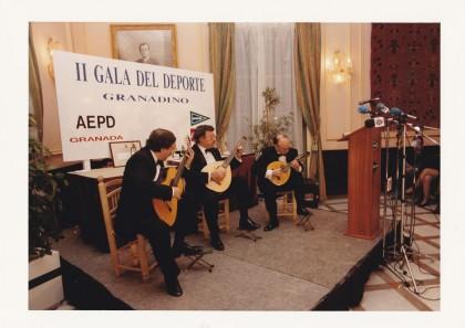 Actuación del trío Albéniz