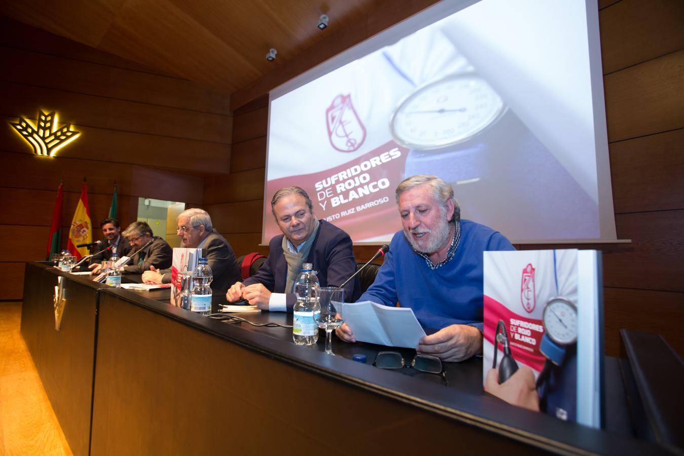 Presentado sufridores en rojo y blanco de justo ruiz for Caja de granada oficinas