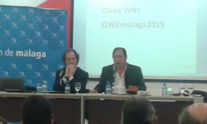 Julián Redondo acompaña a Antonio Rodríguez durante su ponencia