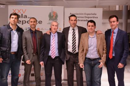 Representación del Fundación Club Baloncesto Granada con su presidente al frente