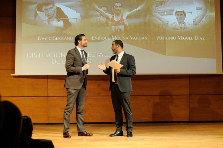 El responsable de Comunicación y Relaciones Institucionales de El Corte Inglés, Carlos Hernández, y el presentador de la Gala