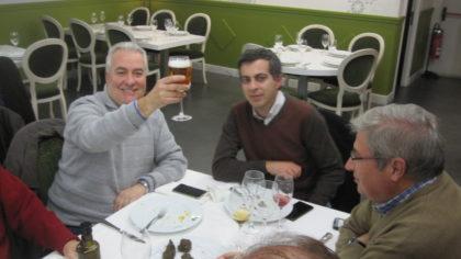 Pedro Feixas brinda junto a Julio Piñero