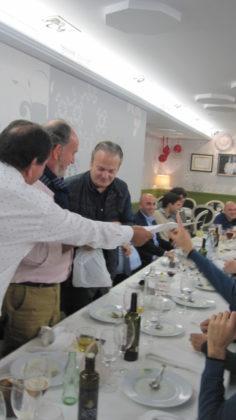 Rodríguez entrega uno de los 'títulos' de ganador de unos de los premios