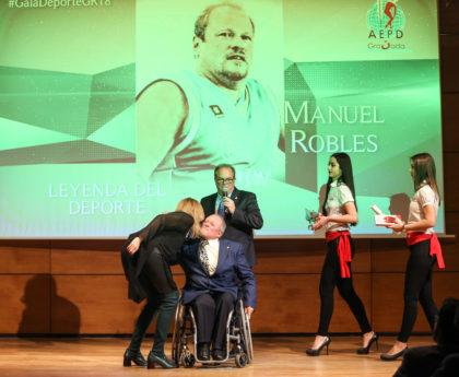 Servián felicita a Robles