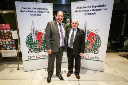 Antonio Jiménez Quiles con el presidente de la AEPD Granada