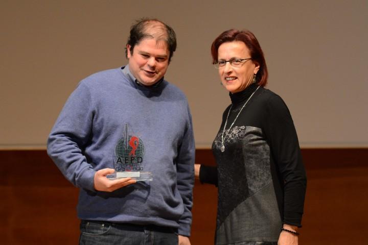 Alberto Gandarias, del Patín Alhambra Cájar, y la delegada de Educación, Ana Gámez