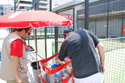 Morales busca una Coca Cola