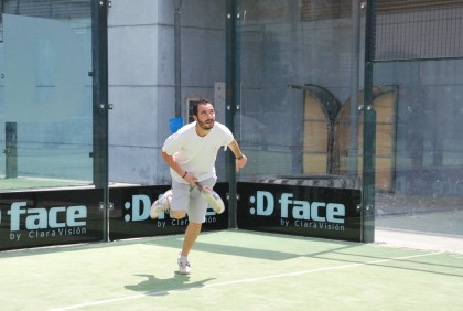 Álvarez avanza hacia la red