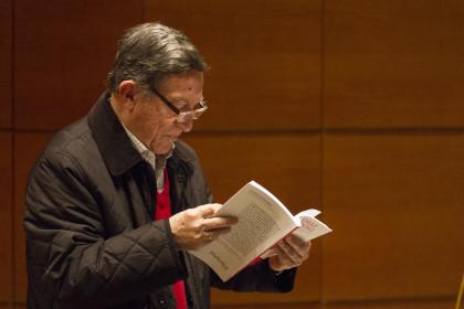 El periodista y asociado de la AEPD Nicasio García se interesa por su historia