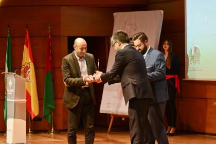 El director de negocio de Caja Rural entregó el Premio Leyenda a Paco Sánchez Vargas