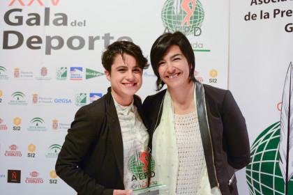 La marchadora María Pérez y María José Rienda