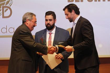 El presidente del Esgrima Maracena recibió el premio a la Gestión Deportiva