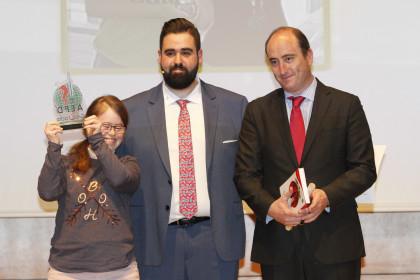 Mari Paz Garófano (Premio Deportista Con Discapacidad), Fran Viñuela y Juan García Montero, concejal de Deportes