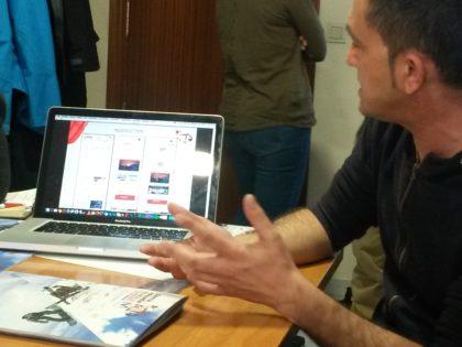 El responsable de Comunicación de Sierra Nevada expone, con la página web del Campeonato, las áreas de información previstas