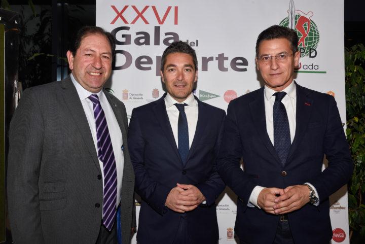 Antonio Rodríguez recibe a Manuel Olivares y L,uis Salvador,. de Ciudadanos