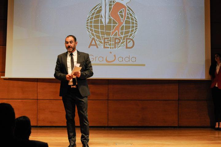 El presentador, Javier Fernándeez-Rufete