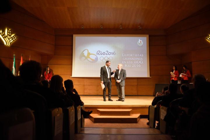 Javier Bermejo, presidente de los periodistas deportivos andaluces, participó en el reconocimiento a los Olímpicos y Paralímpicos granadinos en Río