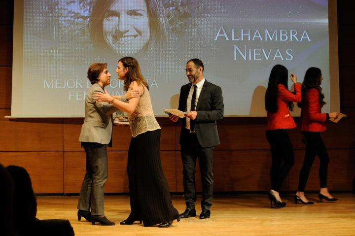 Alhambra Nievas recibe el premio a la Mejor Deportista
