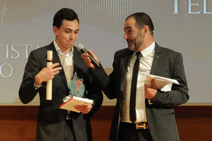 Arián Téllez es entrevistado tras recoger el premio al Mejor Deportista