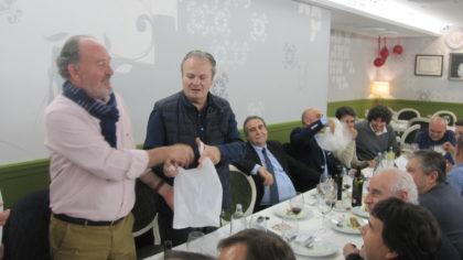 El abogado de la Asociación, Eduardo Paredes, la mano inocente