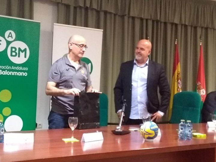 Jordi Ribera y Luis Javier Chirosa, profesor de balonmano de la Facultad del Deporte de Granada