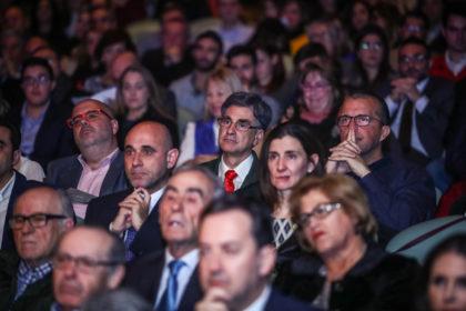 La representación del Club Ramón y Cajal tras Gerardo Morales