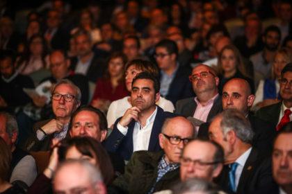 Enrique Oviedo, su hijo y el periodista Gerardo Morales