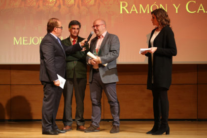 Luis Felipe, presidente del RaCa, recogió el trofeo al Mejor Club