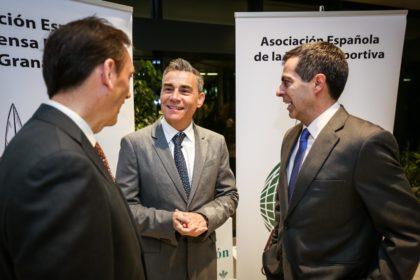 Miguel Rodrigo es recibido por Víctor Romero y Julio Piñero