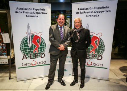 El presidente de la AEPD Granada y Agustín, del mítico grupo Los Angeles