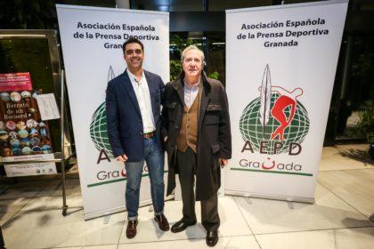 Enrique Oviedo y su hijo