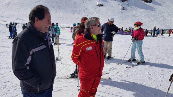 Antonio Rodríguez, presidente de la AEPD Granada, y Fernando Arias, jefe de profesores de la Escuela Oficial de Esquí