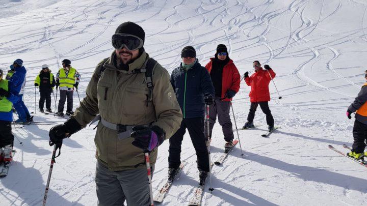 Primeros 'pasos' sobre la nieve con César Guisado al frente