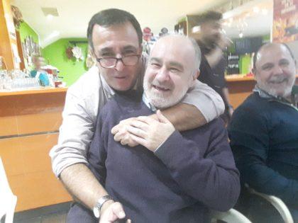 Quílez (el niño limpiacristrales con el palote selfie) con Manolo Fernández